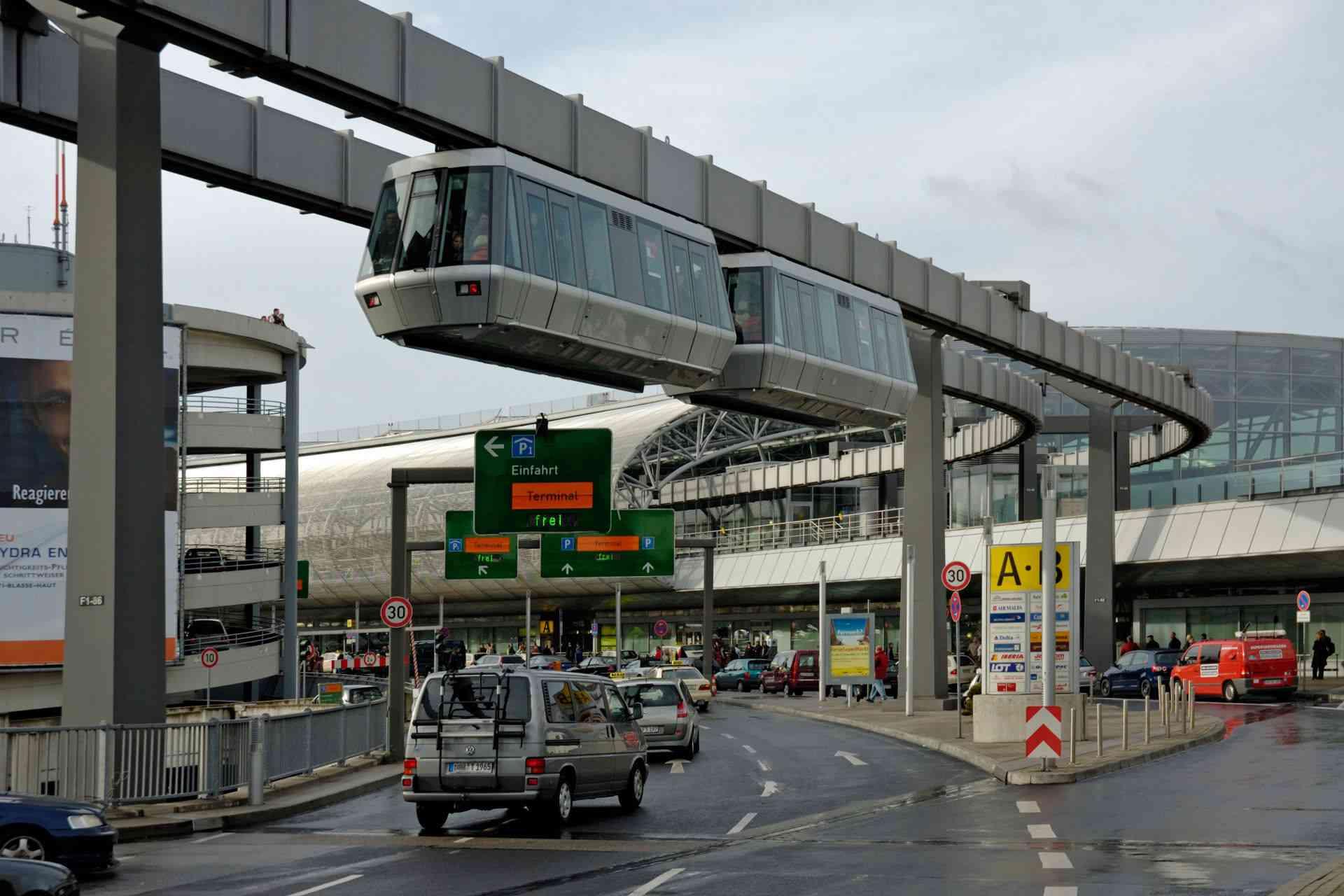 Skytrain Suspension Railway Düsseldorf Airport